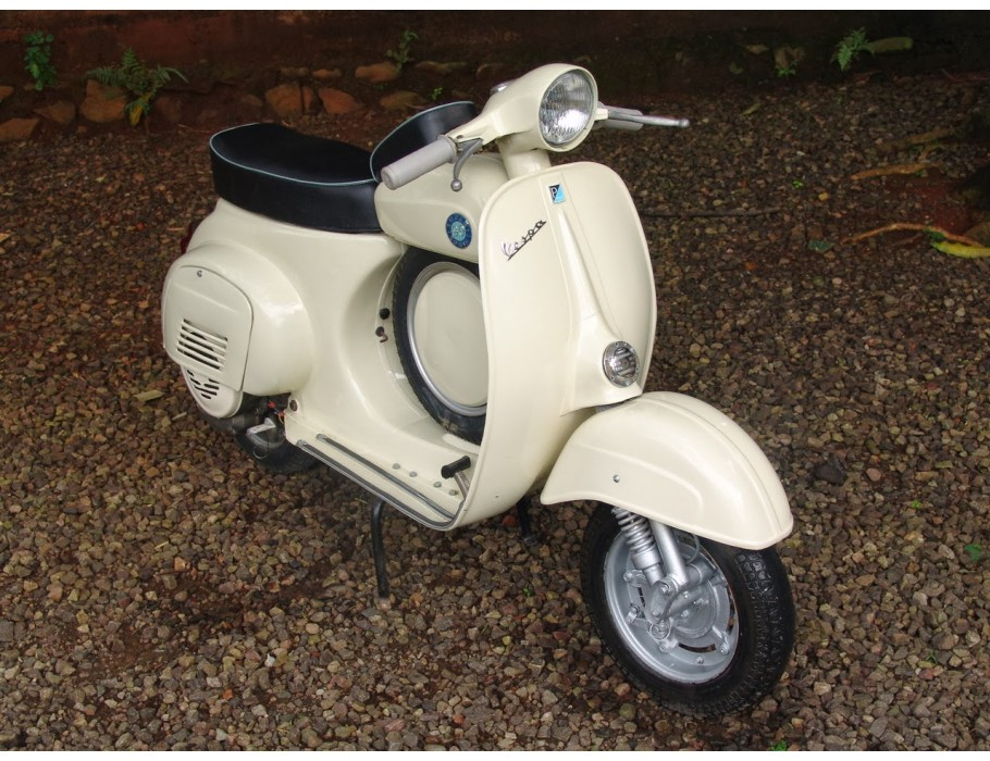 Vespa Scooter 90SS Cream
